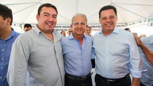 Governo entrega R$ 3,2 mi de recursos do Goiás na Frente em Edeia