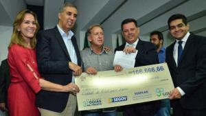 """""""Goiás na Frente é uma forma de ajudar prefeitos a superarem crise"""", diz Marconi"""