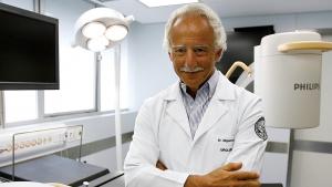 """Médico Miguel Srougi diz que, dado o coronavírus"""", """"pobres morrerão nas portas dos hospitais"""""""