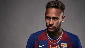 Marca posta Neymar com camisa do Barcelona e apaga rapidamente