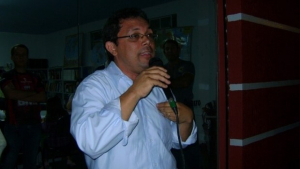 Nilson Gomes desafia os pré-candidatos a rejeitar os fundos eleitoral e partidário