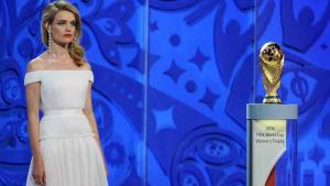 Modelo russa assume lugar de Fernanda Lima na Fifa