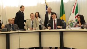 Em meio à crise financeira, prefeitura gasta quase R$ 1,5 bilhão com folha de pagamento