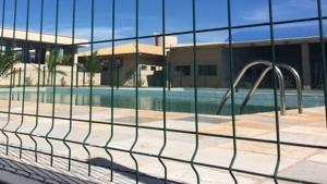 Em Goiânia, bebê fica em estado grave após se afogar em piscina