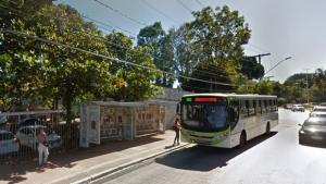 Contrato de reforma de pontos de ônibus em Goiânia é alvo de denúncia