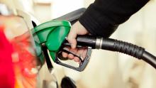 Bolsonaro propõe cobrança de ICMS sobre combustíveis nas refinarias