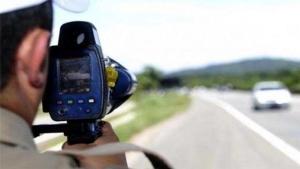 Bolsonaro determina suspensão do uso de radares móveis nas rodovias