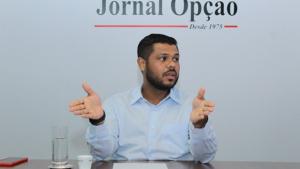 Romário Policarpo faz o meio-campo entre servidores e Paço Municipal