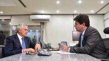 Revista Época diz que Caiado convidou Mandetta para secretaria. Se ele deixar o governo