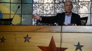 "PT chama incidente com senadores brasileiros na Venezuela de ""factoide"" e reafirma apoio a Maduro"