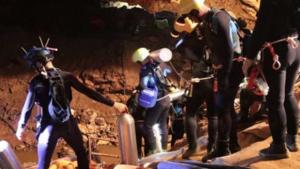 Marinha confirma resgate de todos os presos em caverna da Tailândia