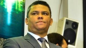 Denes Pereira diz que fica no cargo até que Procuradoria decida sobre impasse