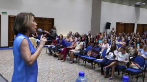 Raquel Teixeira adianta lançamento de programa do MEC de ampliação da educação integral