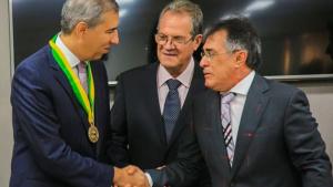 José Eliton recebe homenagem do TCM por ações a favor do municipalismo