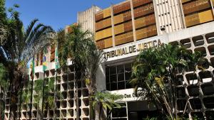 Médico acusado de assédio sexual no TJ emite nota e esclarece fatos