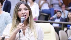 """""""É um momento muito triste para a nossa democracia"""", diz vereadora sobre disputa presidencial"""