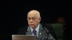 Vítima de acidente aéreo, morre ministro Teori Zavascki