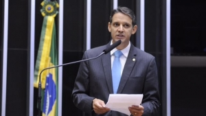 Thiago Peixoto faz defesa do impeachment de Dilma Rousseff