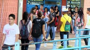MEC abre vagas para 572 escolas aderirem à política de ensino em tempo integral