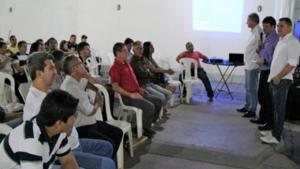 """Fabiano """"Parafuso"""" recebe apoio do setor de serviços"""