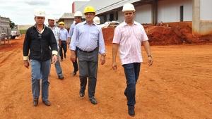 Fricó inaugura indústria e Trindade articula instalação de novas unidades