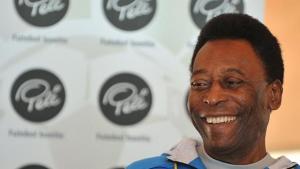 """Com quadro clínico instável, Pelé vai para """"unidade de cuidados especiais"""" de hospital"""