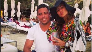 """Fim do noivado: ex-jogador Ronaldo se """"cansou"""" dos ciúmes da noiva goiana, Paula Morais"""