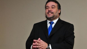 Valdir Oliveira assume Desenvolvimento Econômico do DF em reestruturação de secretarias