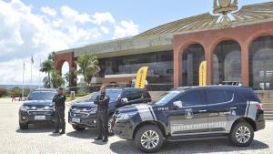 Carlesse entrega três veículos blindados ao Sistema Penitenciário