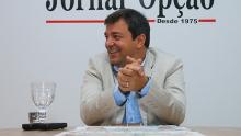 """""""Nossa resposta aos ataques é o trabalho"""", afirma Vinícius Luz"""