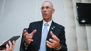 Embaixador de Israel deve receber título de cidadão goiano