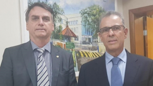 Bolsonaro anuncia almirante Bento Costa Lima no comando do Ministério de Minas e Energia