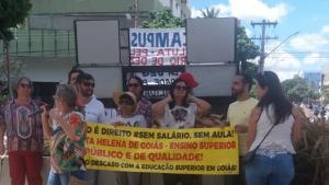 Com cortes e atraso de salários, UEG vive caos com indicativos de greve