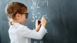 Para se adequar à lei , escolas goianas se preparam para lecionar educação financeira