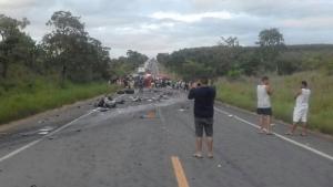 Número de mortos em acidente em rodovia de Minas Gerais sobe para 13