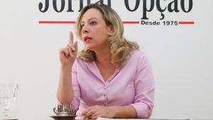 """Adriana Accorsi critica ausência de Iris em debate: """"Desrespeito e arrogância"""""""