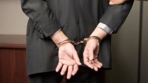 Projeto de lei determina que advogados só possam ser presos com ordem escrita