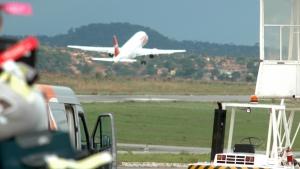 Com greve na Argentina, TAM, Gol e Aerolíneas Argentina cancelam voos