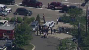 Aeroporto é esvaziado nos EUA após ataque à faca contra policial