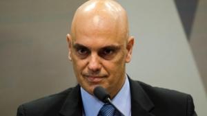 Moraes diverge de relator e vota contra ação da PGR sobre ensino religioso