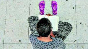 O Popular publica reportagem sensacional de mulher de rua que é leitora voraz