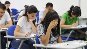 Primeiro exame para médicos recém-formados em Goiás será aplicado no sábado (16)