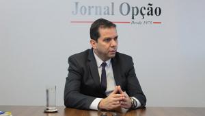 """""""Com dinheiro em caixa, Iris deixou pessoas morrerem esperando vaga na UTI"""", diz Alysson Lima"""