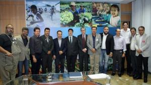 Amab une prefeitos do Entorno em busca de recursos