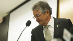 """""""Quem sabe ele recolhe as TVs também"""", ironiza Marco Aurélio após tentativa de censura por Crivella"""