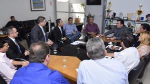 Banco do Brasil promete liberar R$ 50 milhões para obras de pavimentação em Aparecida