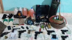 Sete suspeitos de quadrilha de roubo a banco são mortos em confronto com PM em Goiás