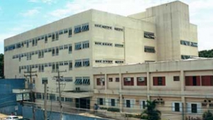 Pacientes do Araújo Jorge sofrem com a falta de máquinas para radioterapia