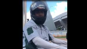 Homem é preso após ser filmado mostrando pênis para mulher em pleno trânsito