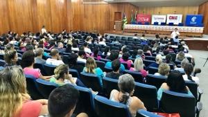 Após assembleia, servidores da Educação exigem reunião com Iris